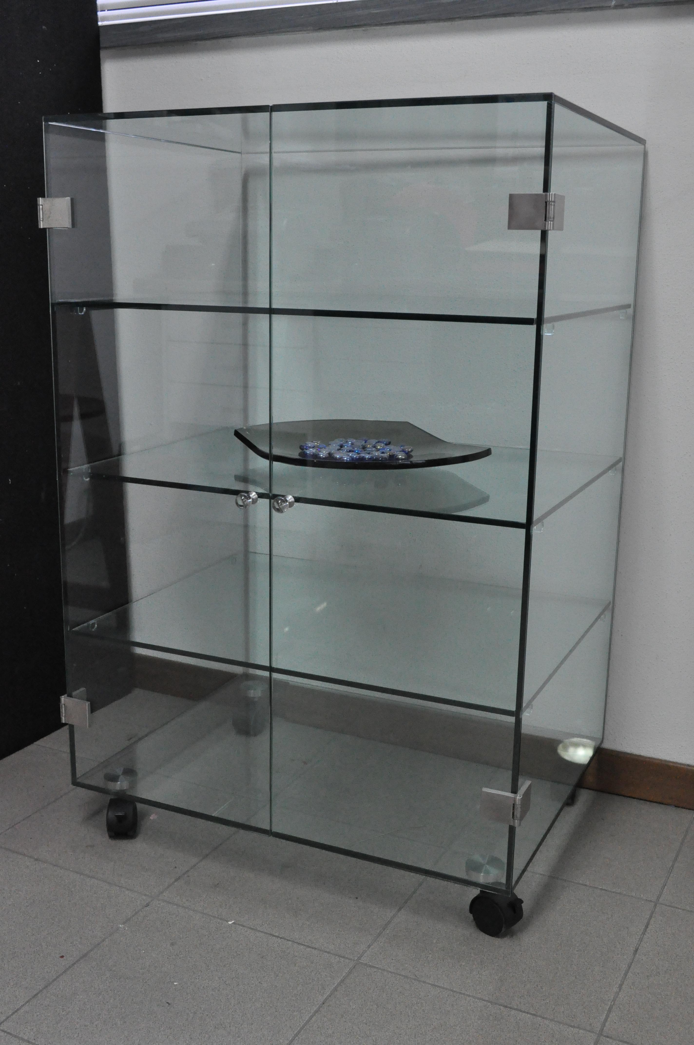 Arredamento vetreria s i l v s r l for Vetrine in cristallo arredamento