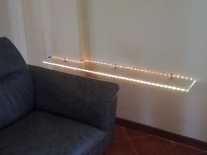 Mensola con luce a led